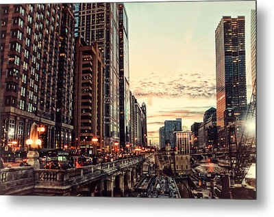 Chicago River November Hdr Metal Print by Thomas Woolworth