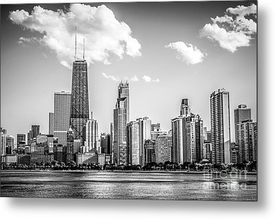 Chicago Skyline Picture In Black And White Metal Print