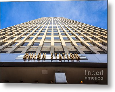 Chicago Union Station Sign And Building Exterior Metal Print by Paul Velgos