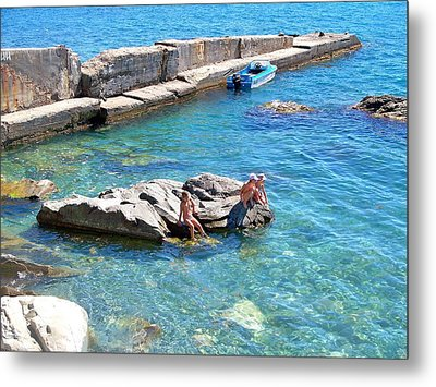 Children Fascinated With Black Sea  Metal Print by Rick Todaro