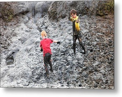 Children Playing In A Muddy Creek Metal Print by Ashley Cooper