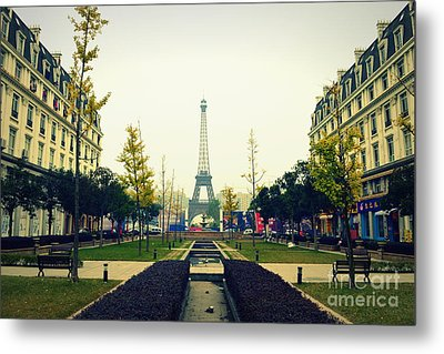 China's Paris Metal Print by Shawna Gibson