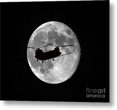 Chinook Moon B And W Metal Print by Al Powell Photography USA