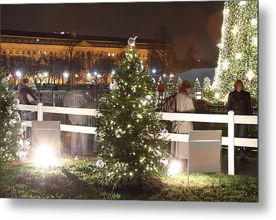 Christmas At The Ellipse - Washington Dc - 01132 Metal Print by DC Photographer