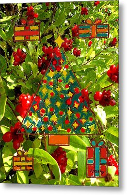 Christmas Berries Metal Print by Patrick J Murphy