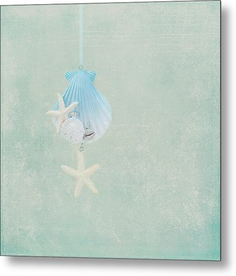Christmas Starfish Metal Print by Kim Hojnacki