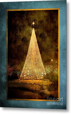 Christmas Tree In The City Metal Print by Cindy Singleton