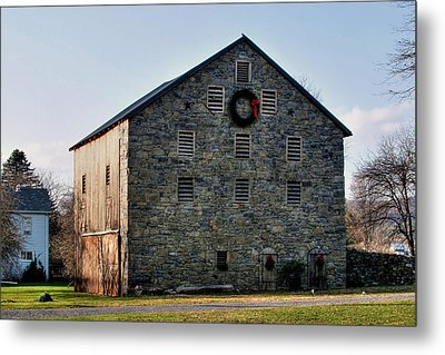 Metal Print featuring the photograph Christmastime At The Probst Stone Barn by Gene Walls