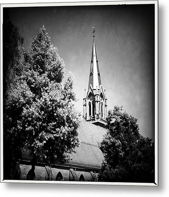 Church In Black And White Metal Print by Matthias Hauser