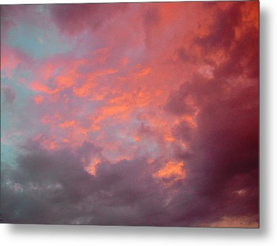 Cielo Arrabbiat Metal Print by Dorothy Berry-Lound