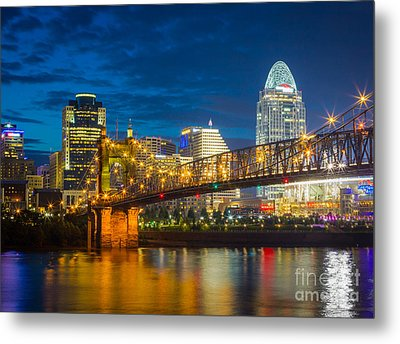 Cincinnati Downtown Metal Print by Inge Johnsson