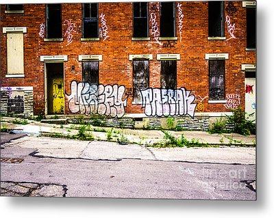 Cincinnati Glencoe Auburn Place Graffiti Photo Metal Print by Paul Velgos