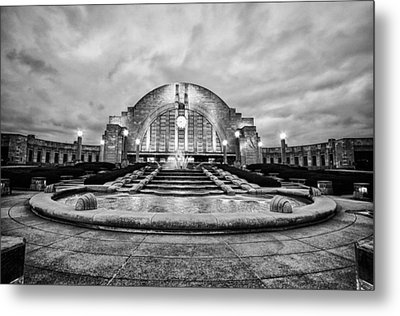 Metal Print featuring the photograph Cincinnati Union Terminal by Cathy Donohoue