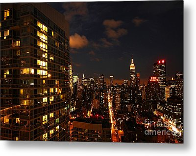 City Living Metal Print by Andrew Paranavitana