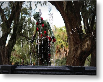 City Park Fountain Metal Print by Beth Vincent