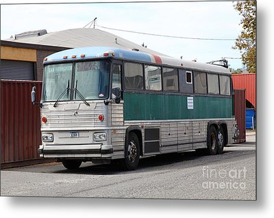Classic Retro Greyhound Bus 5d25251 Metal Print by Wingsdomain Art and Photography