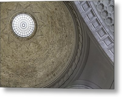 Classical Dome With Oculus Metal Print by Lynn Palmer