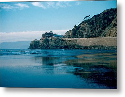 Cliff House 1956 Metal Print by Cumberland Warden