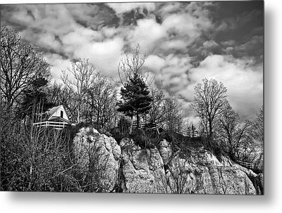 Metal Print featuring the photograph Cliff House B/w by Greg Jackson