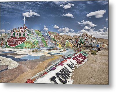 Climbing Salvation Mountain Metal Print by Hugh Smith