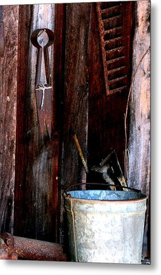 Metal Print featuring the photograph Clippers And The Bucket by Lesa Fine
