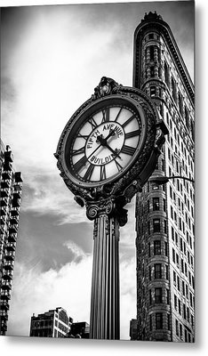 Clock Of Fifth Avenue Building Metal Print