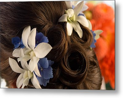 Close-up Of Flowers In A Brides Hair Metal Print
