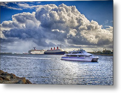 Cloud Crowns The Queen Metal Print by Joseph Hollingsworth