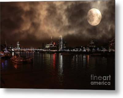 Clouds Over The River Thames Metal Print by Doc Braham