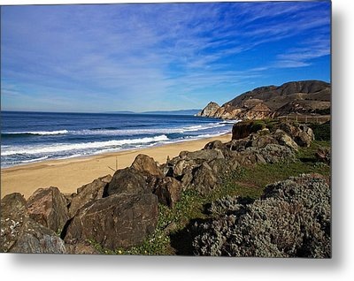 Metal Print featuring the photograph Coastal Beauty by Dave Files