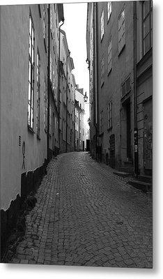 Cobbled Street - Monochrome Metal Print by Ulrich Kunst And Bettina Scheidulin