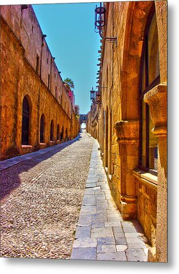 Rhodes Cobbled Street Metal Print by Scott Carruthers