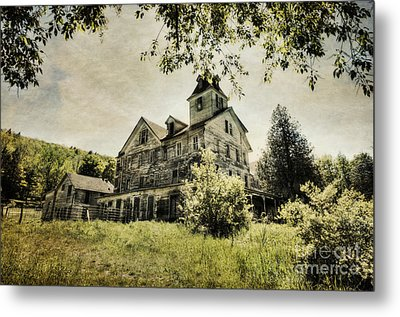 Metal Print featuring the photograph Cold Springs Hotel by Vicki DeVico