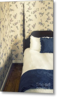 Colonial Comfort Metal Print by Margie Hurwich