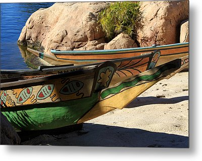 Metal Print featuring the photograph Colorul Canoe by Chris Thomas