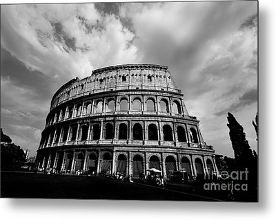 Colosseum In Black And White Metal Print by Samantha Higgs