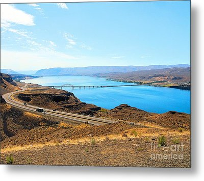 Columbia River From Overlook Metal Print