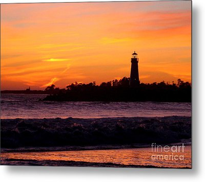 Metal Print featuring the photograph Coming Home2 by Theresa Ramos-DuVon