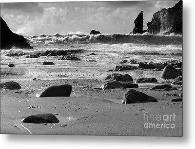 Coming In Waves Metal Print by Deena Otterstetter