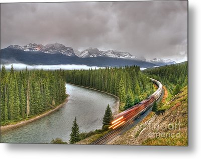 Coming 'round The Bend' Metal Print by Wanda Krack