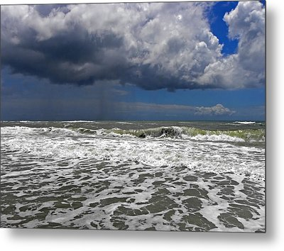 Conquering The Storm Metal Print by Sandi OReilly