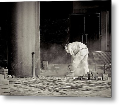 Construction Worker Bw Metal Print by Rudy Umans