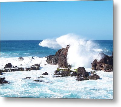 Metal Print featuring the photograph Cool Spray by Sheila Byers