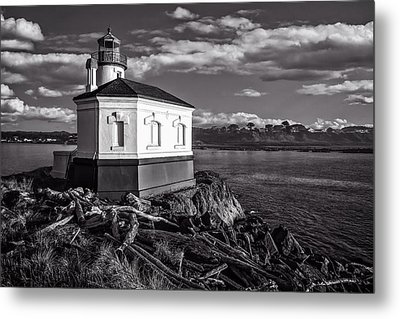 Coquille River Lighthouse Upriver Bw Metal Print by Joe Hudspeth