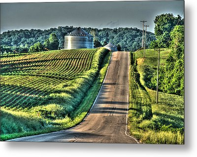 Corduroy Corn And Seersucker Silos Metal Print by William Fields