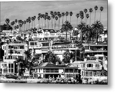 Corona Del Mar California Black And White Picture Metal Print by Paul Velgos
