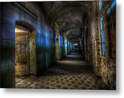 Corridor Of Darkness  Metal Print by Nathan Wright