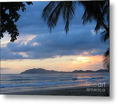 Metal Print featuring the photograph Costa Rica Sunset by Shelia Kempf