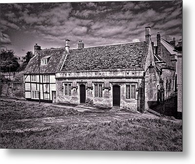 Metal Print featuring the photograph Cottages Devizes -1 by Paul Gulliver