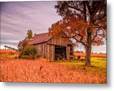Country Barn Metal Print by Mary Timman